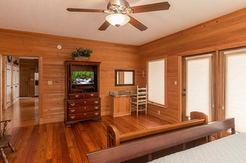 Photo of a Sevierville Cabin named Sky View - This is the twelfth photo in the set.