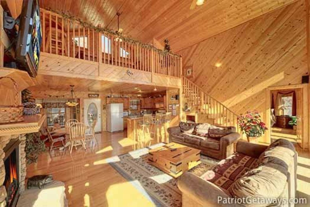 Photo of a Sevierville Cabin named About Time - This is the fifth photo in the set.