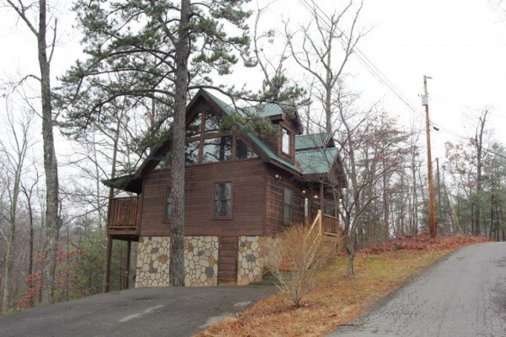 Photo of a Gatlinburg Cabin named Ivy Lodge - This is the ninth photo in the set.