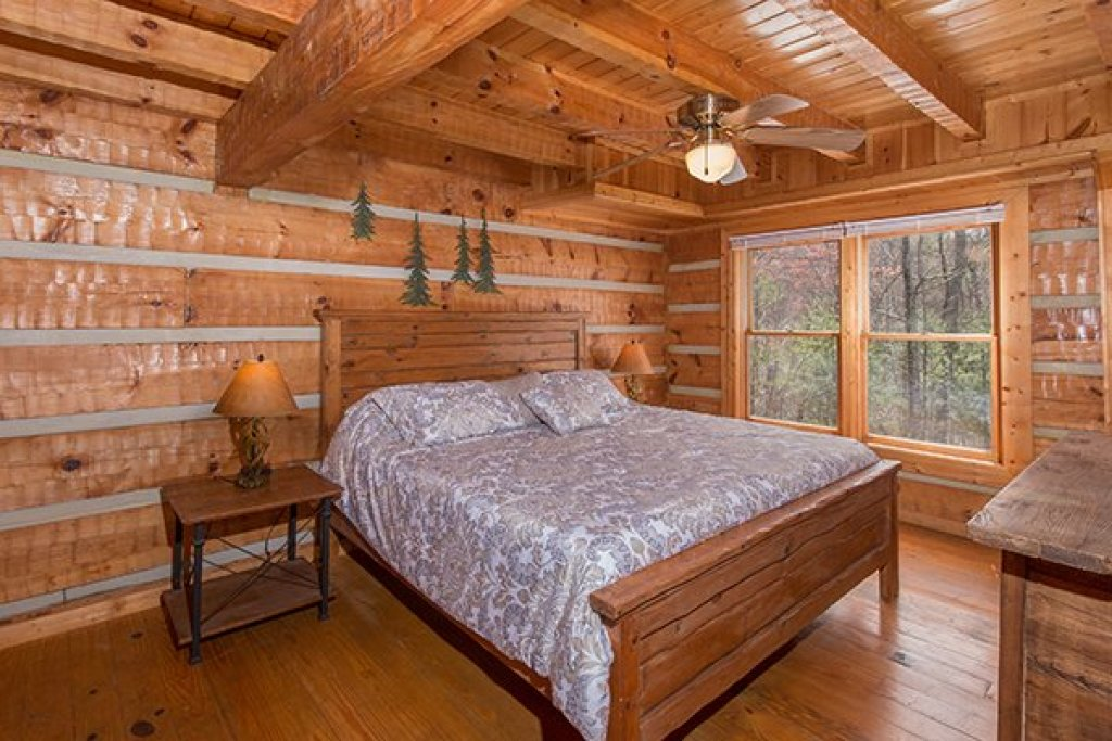 Photo of a Gatlinburg Cabin named Ella-vation - This is the eighth photo in the set.