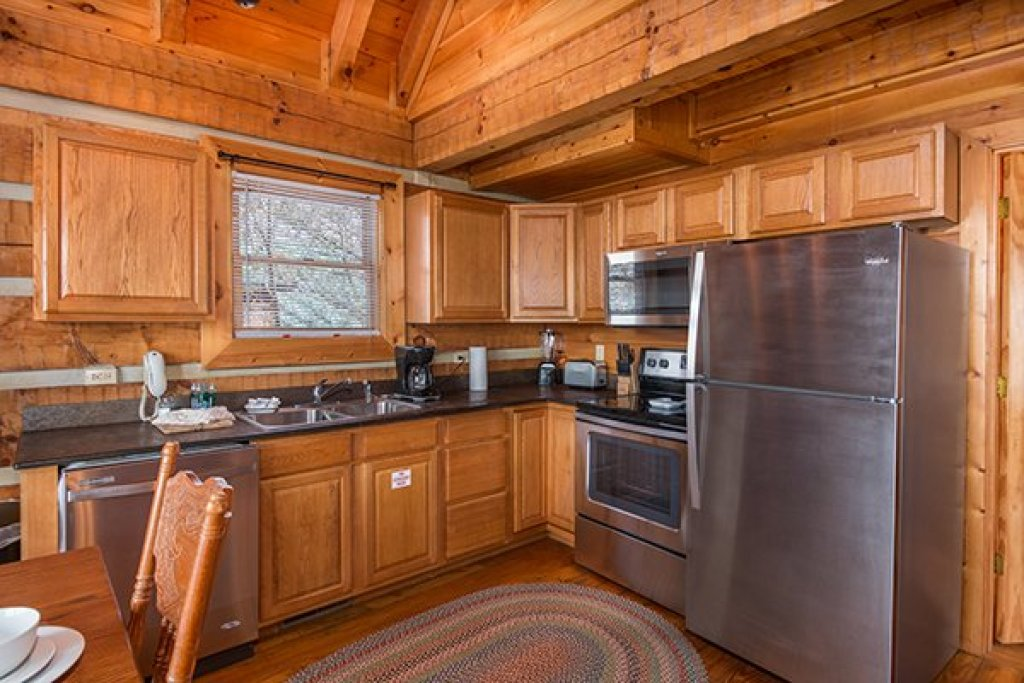Photo of a Gatlinburg Cabin named Ella-vation - This is the sixth photo in the set.