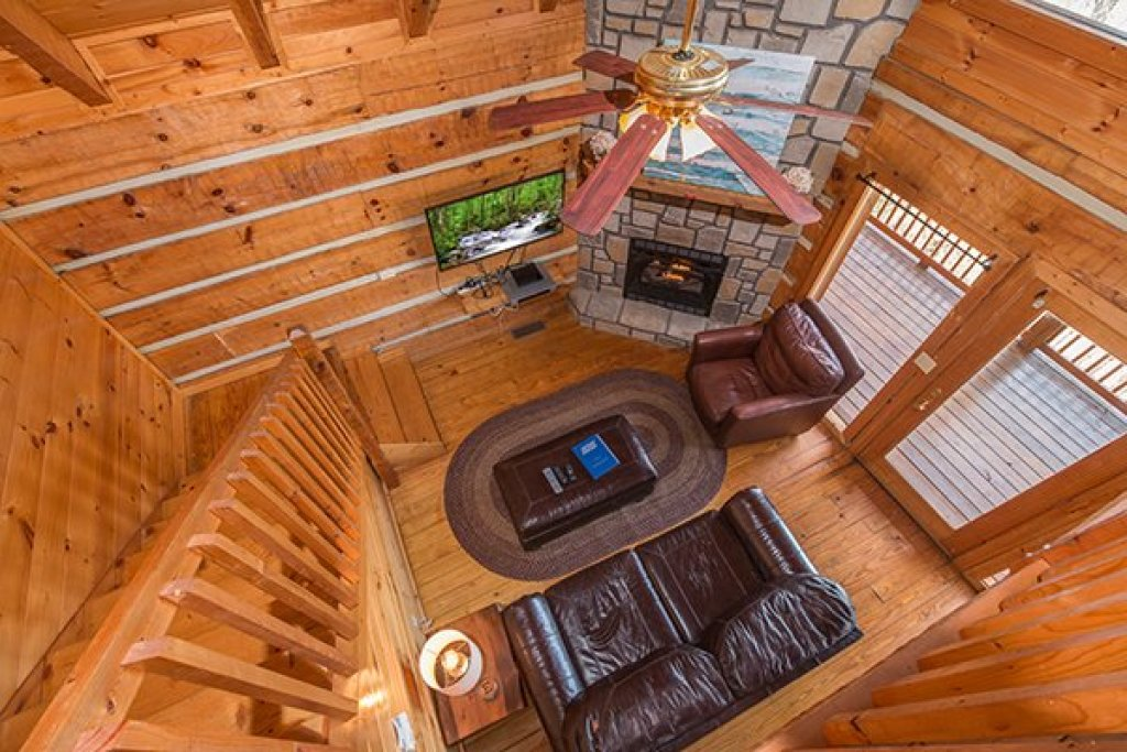 Photo of a Gatlinburg Cabin named Ella-vation - This is the twentieth photo in the set.