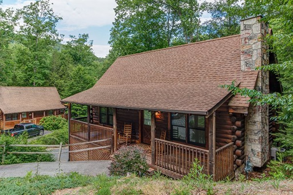 Photo of a Pigeon Forge Cabin named Location Location Location - This is the first photo in the set.