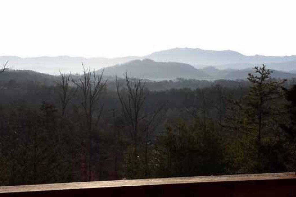 Photo of a Sevierville Cabin named Blue Mountain Views - This is the twentieth photo in the set.