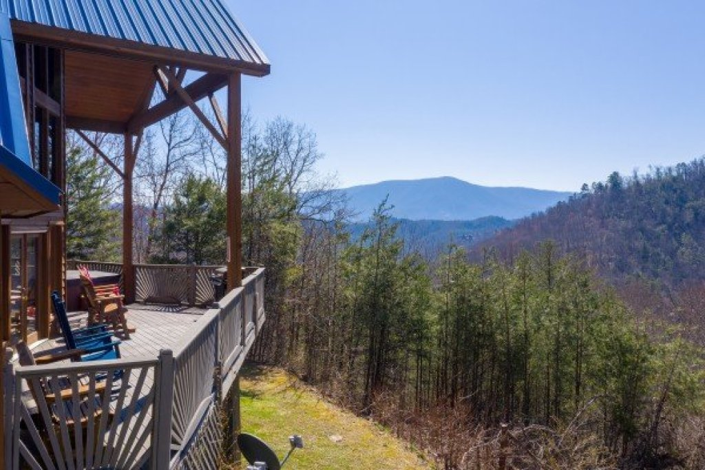Photo of a Sevierville Cabin named About Time - This is the twenty-third photo in the set.