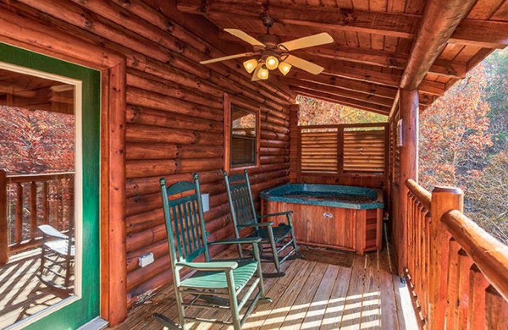 Photo of a Sevierville Cabin named 5 Little Cubs - This is the eighth photo in the set.