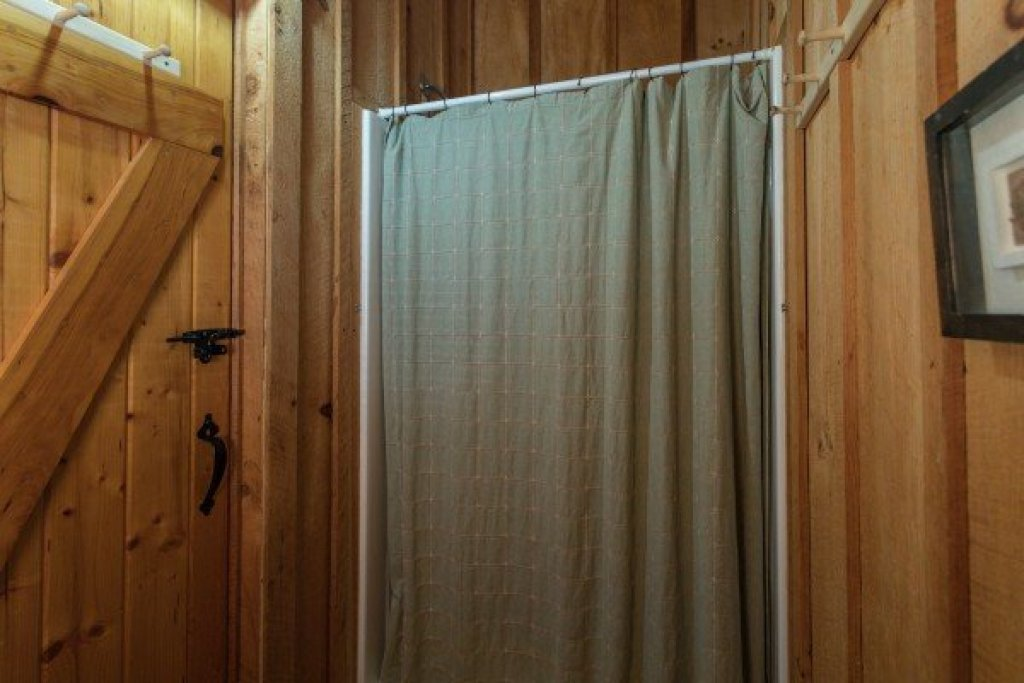 Photo of a Sevierville Cabin named Blue Mountain Views - This is the fourteenth photo in the set.