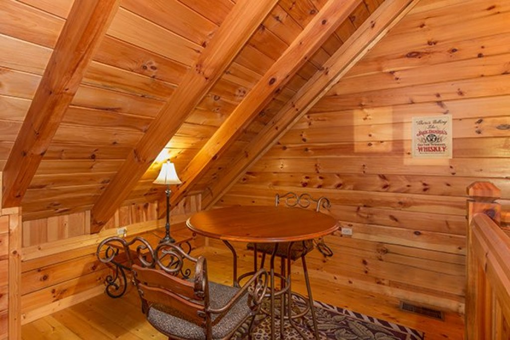 Photo of a Gatlinburg Cabin named A Honeymoon Haven - This is the twelfth photo in the set.