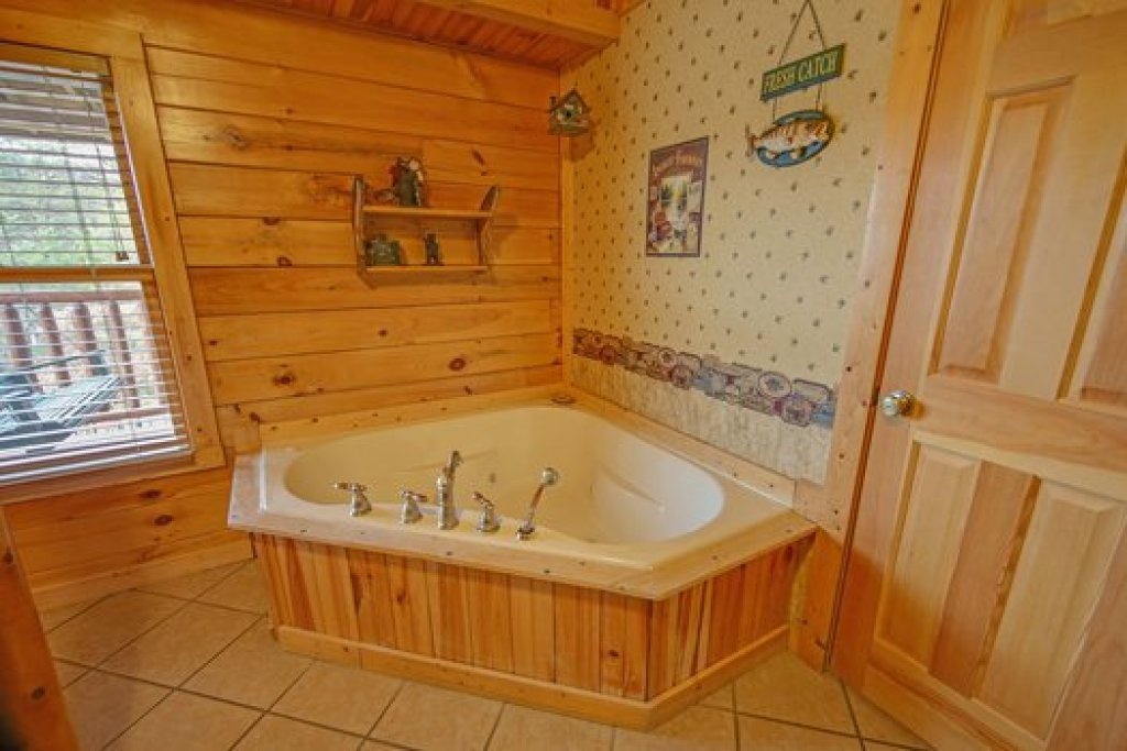 Photo of a Sevierville Cabin named Fox N Socks - This is the thirteenth photo in the set.