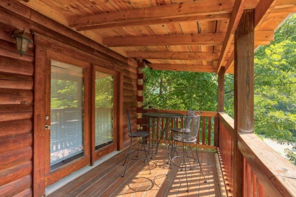 Photo of a Pigeon Forge Cabin named Alpine Tranquility - This is the twenty-first photo in the set.