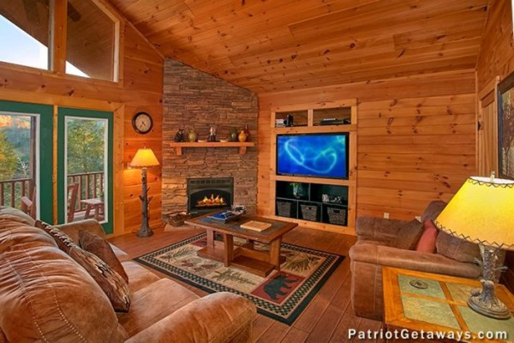 Photo of a Pigeon Forge Cabin named A Getaway With A View - This is the third photo in the set.
