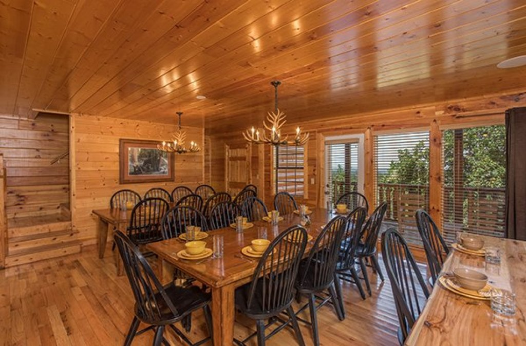 Photo of a Pigeon Forge Cabin named Shangri-lodge - This is the seventh photo in the set.