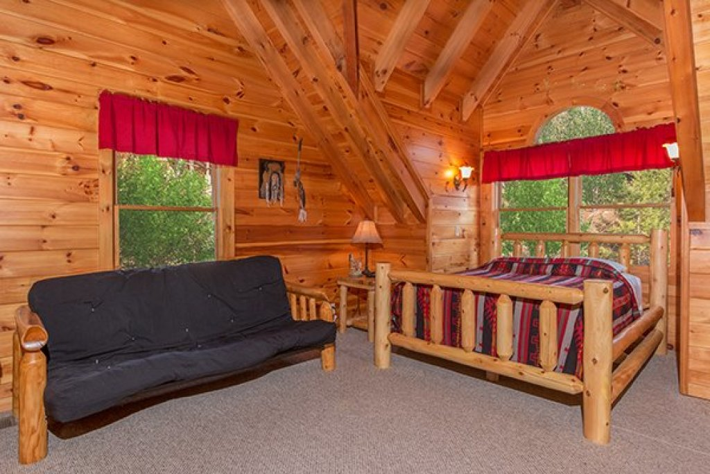 Photo of a Pigeon Forge Cabin named Alpine Sondance - This is the twelfth photo in the set.