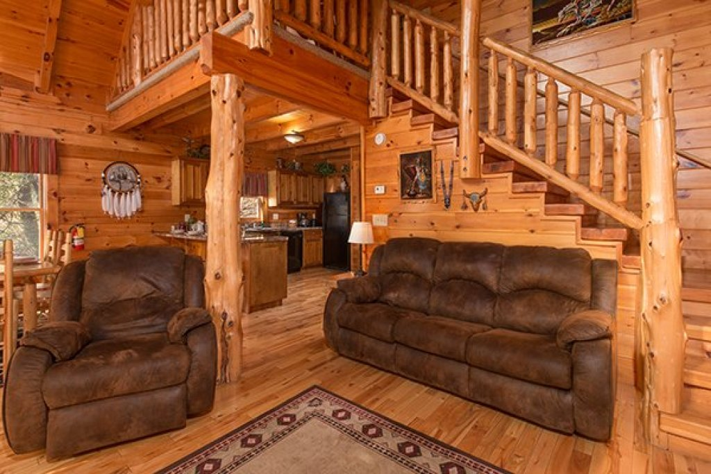 Photo of a Pigeon Forge Cabin named Alpine Sondance - This is the second photo in the set.