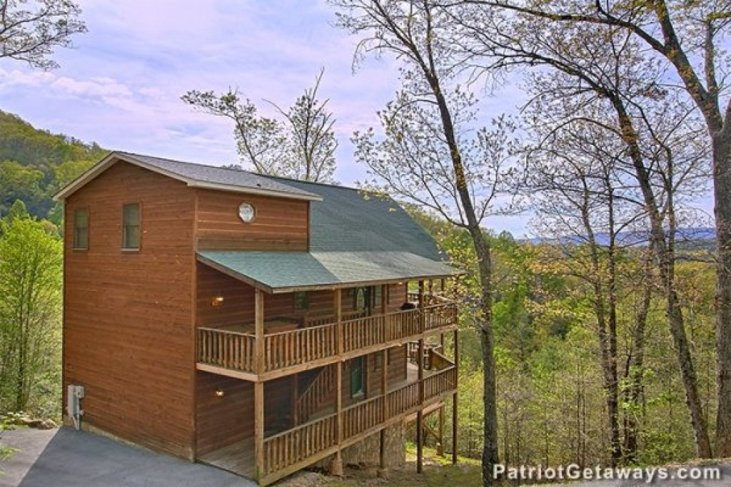 Photo of a Sevierville Cabin named Privacy & A View - This is the twenty-fifth photo in the set.