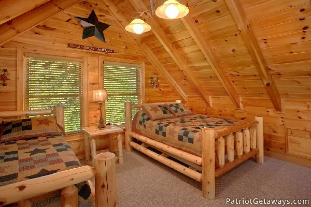 Photo of a Pigeon Forge Cabin named Alpine Sundance Trail - This is the twentieth photo in the set.