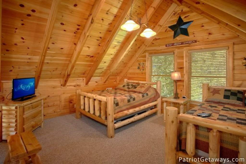 Photo of a Pigeon Forge Cabin named Alpine Sundance Trail - This is the eighteenth photo in the set.