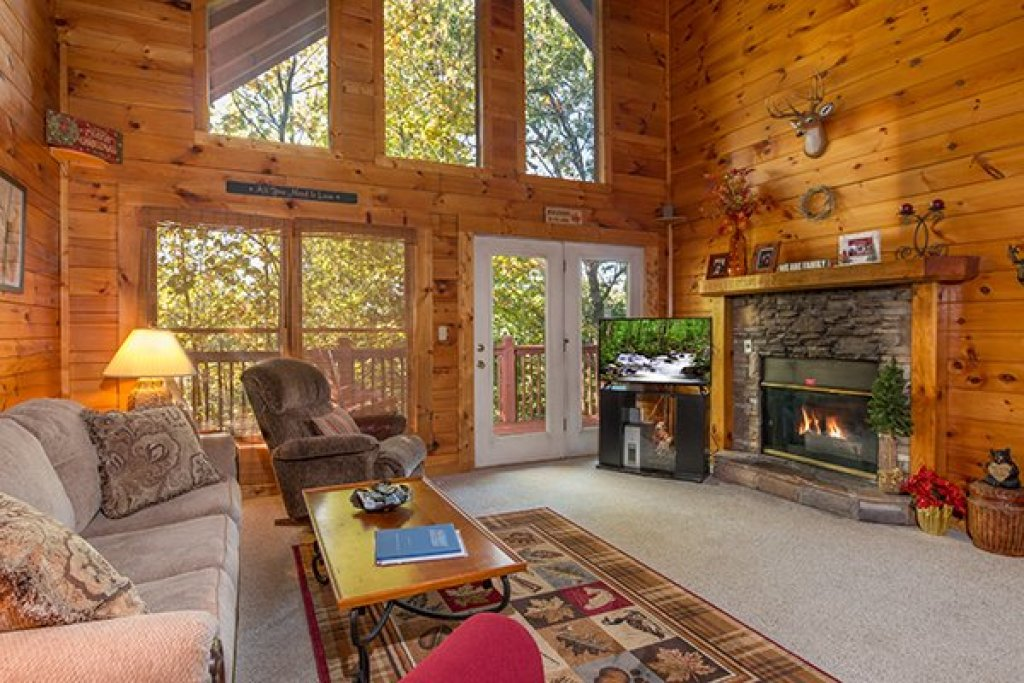 Photo of a Gatlinburg Cabin named A Honeymoon Haven - This is the second photo in the set.