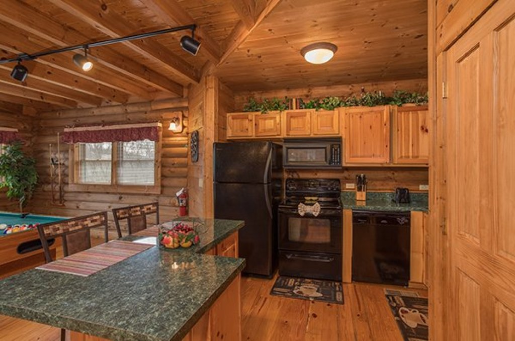 Photo of a Pigeon Forge Cabin named Hanky Panky - This is the sixth photo in the set.