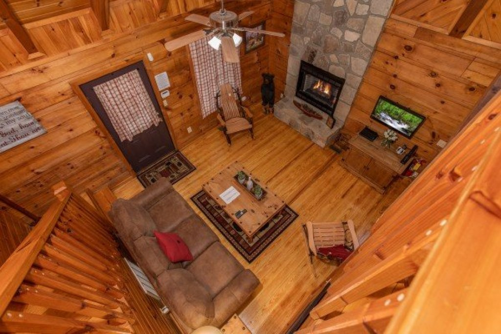 Photo of a Sevierville Cabin named Cabin In The Woods - This is the fourteenth photo in the set.