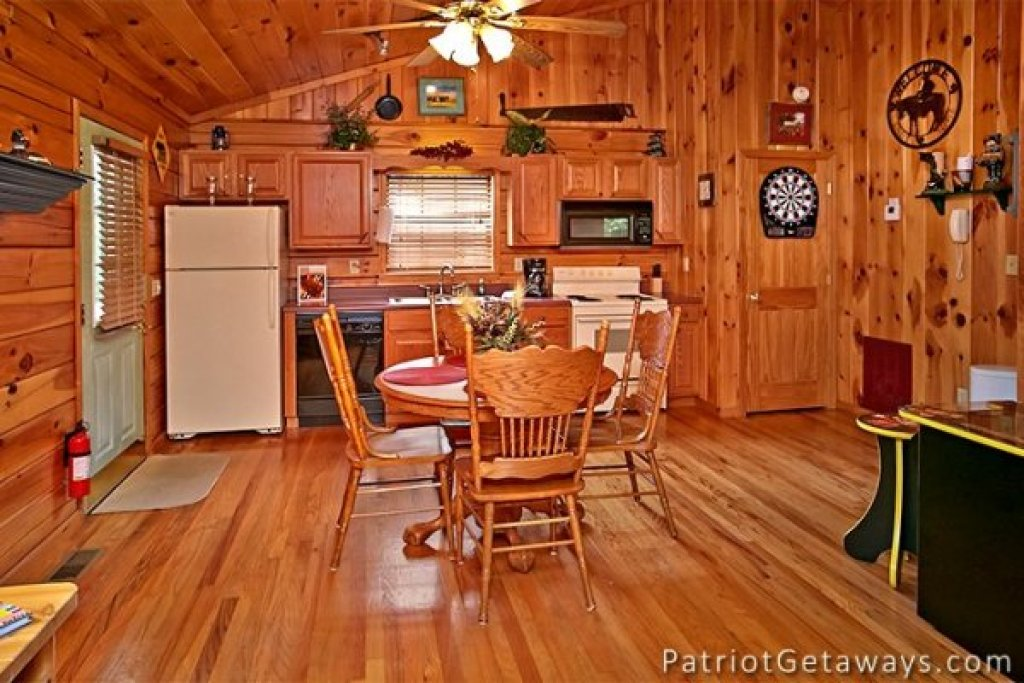 Photo of a Pigeon Forge Cabin named Always Together Forever - This is the eleventh photo in the set.