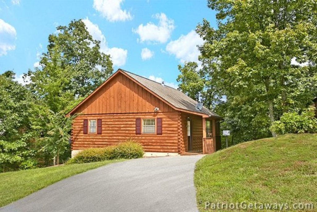 Photo of a Pigeon Forge Cabin named Always Together Forever - This is the sixteenth photo in the set.