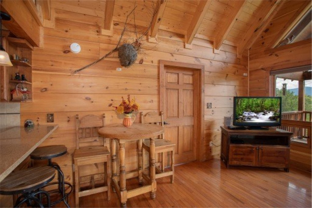 Photo of a Sevierville Cabin named Cedar Creeks - This is the eighth photo in the set.