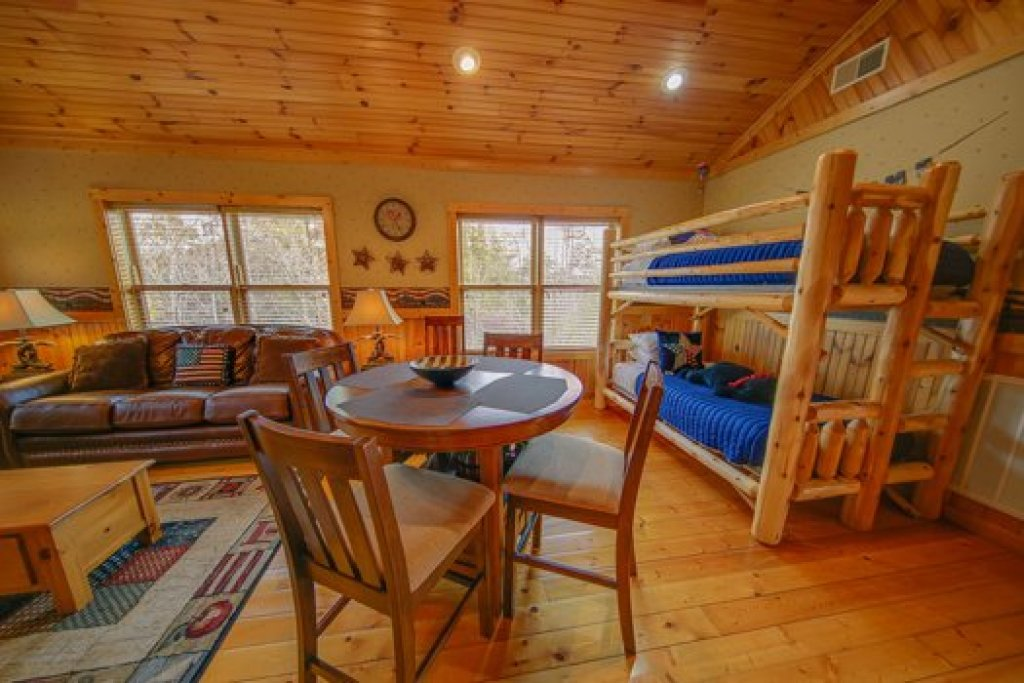 Photo of a Sevierville Cabin named Fox N Socks - This is the fourteenth photo in the set.