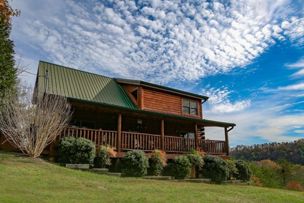 Photo of a Sevierville Cabin named Fox N Socks - This is the second photo in the set.