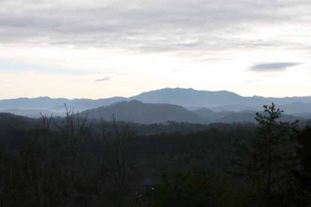 Photo of a Sevierville Cabin named Blue Mountain Views - This is the eighteenth photo in the set.