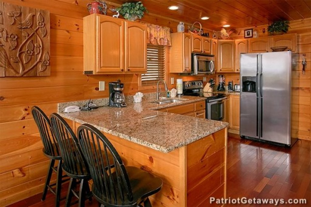 Photo of a Sevierville Cabin named Privacy & A View - This is the sixth photo in the set.