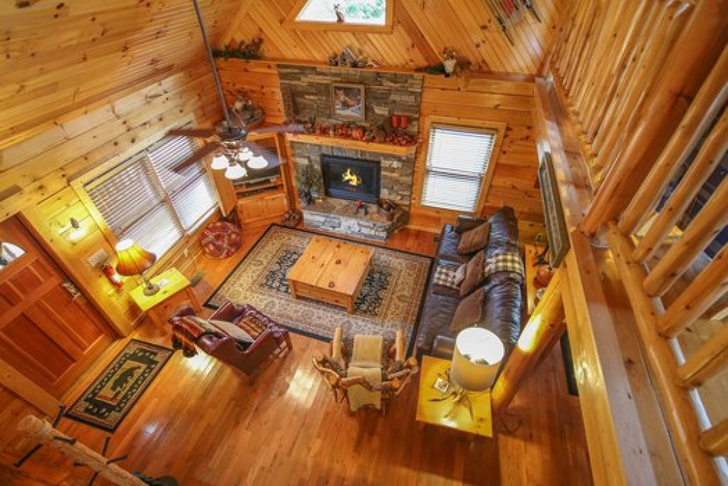 Photo of a Sevierville Cabin named Fox N Socks - This is the fourth photo in the set.