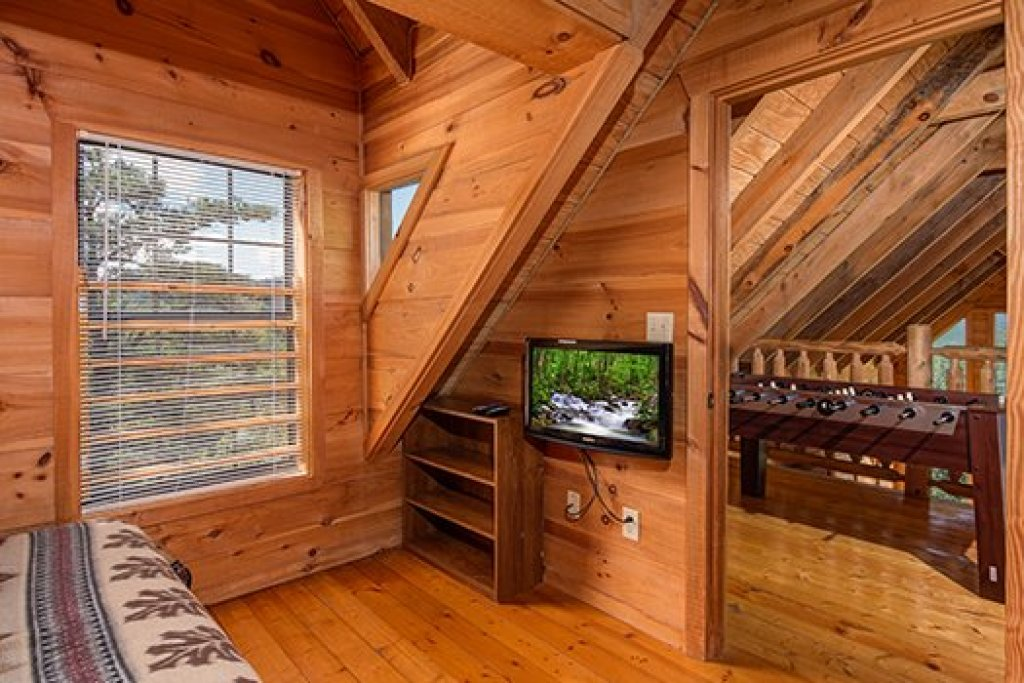 Photo of a Sevierville Cabin named Auburn Sky - This is the eighteenth photo in the set.