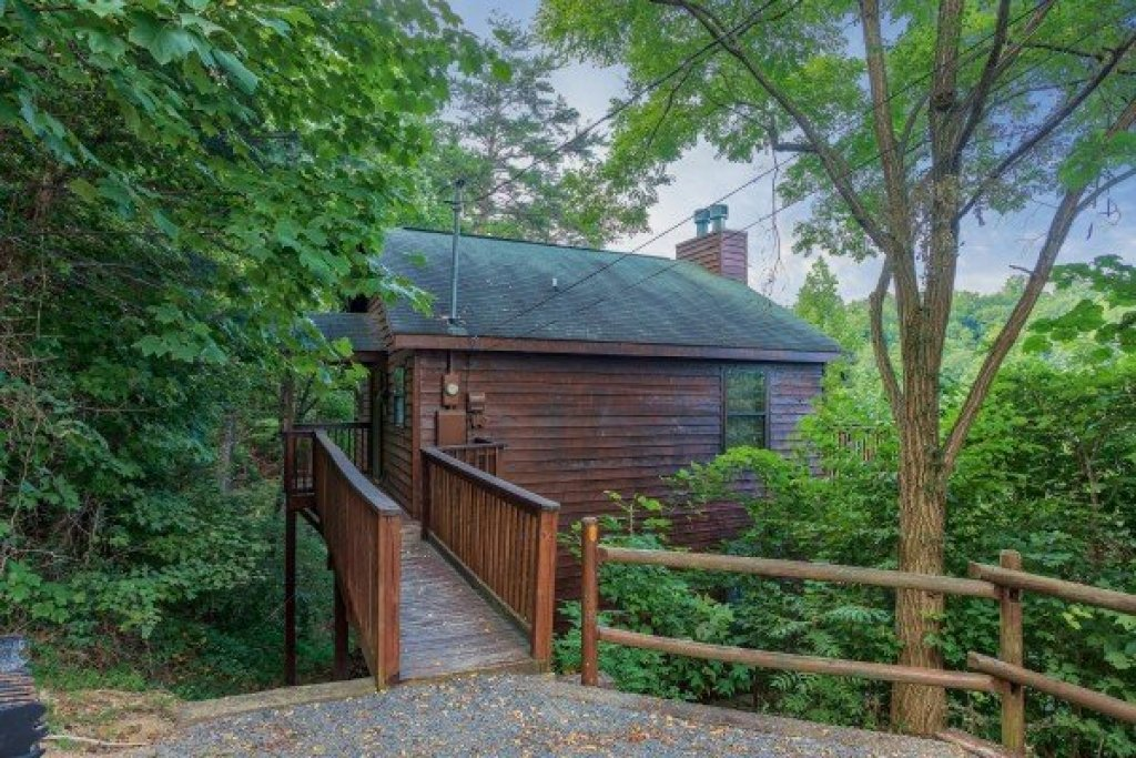 Photo of a Gatlinburg Cabin named A View For You - This is the second photo in the set.