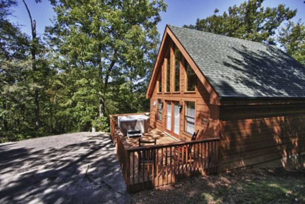 Photo of a Gatlinburg Cabin named Gnarled Oak - This is the eighteenth photo in the set.