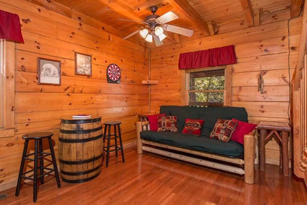 Photo of a Sevierville Cabin named Bear Hug Hideaway - This is the eighth photo in the set.