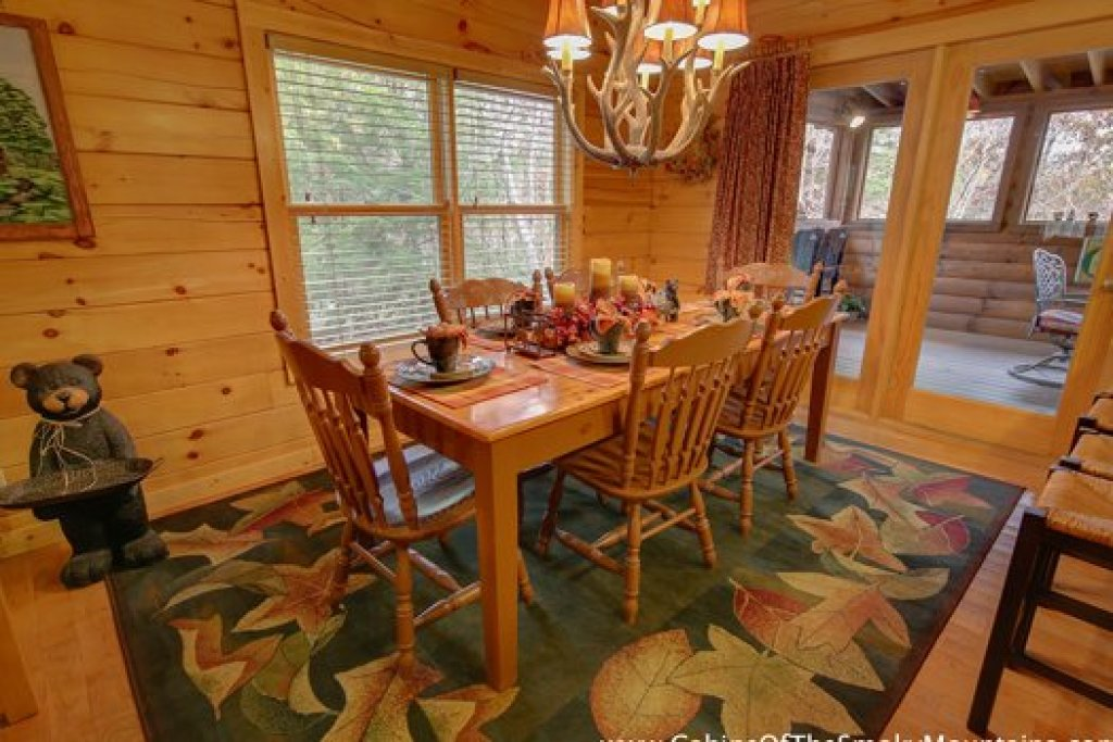 Photo of a Sevierville Cabin named Fox N Socks - This is the sixth photo in the set.