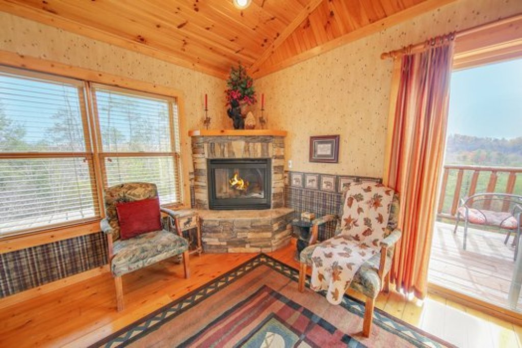 Photo of a Sevierville Cabin named Fox N Socks - This is the eleventh photo in the set.