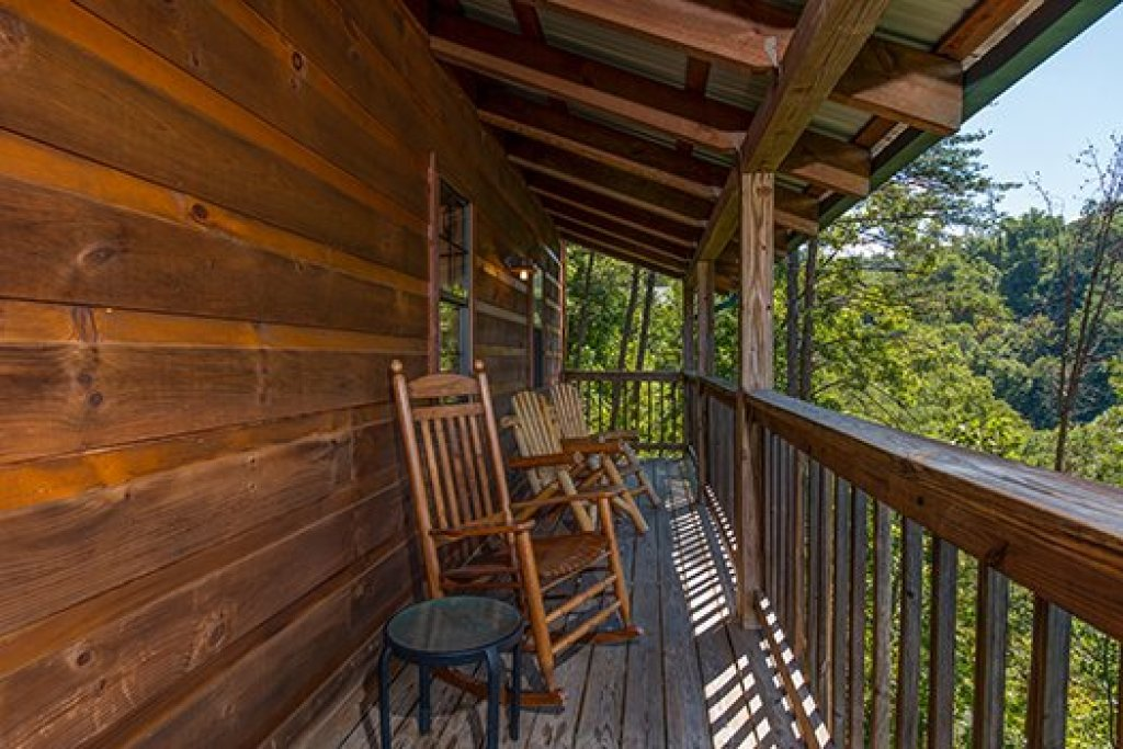 Photo of a Sevierville Cabin named Auburn Sky - This is the thirty-second photo in the set.