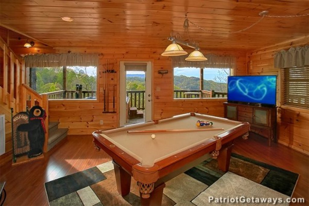 Photo of a Sevierville Cabin named Privacy & A View - This is the tenth photo in the set.