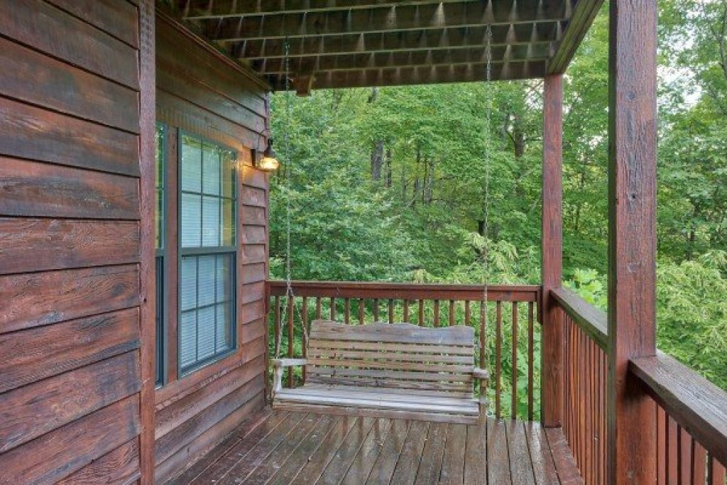 Photo of a Gatlinburg Cabin named A View For You - This is the twenty-first photo in the set.