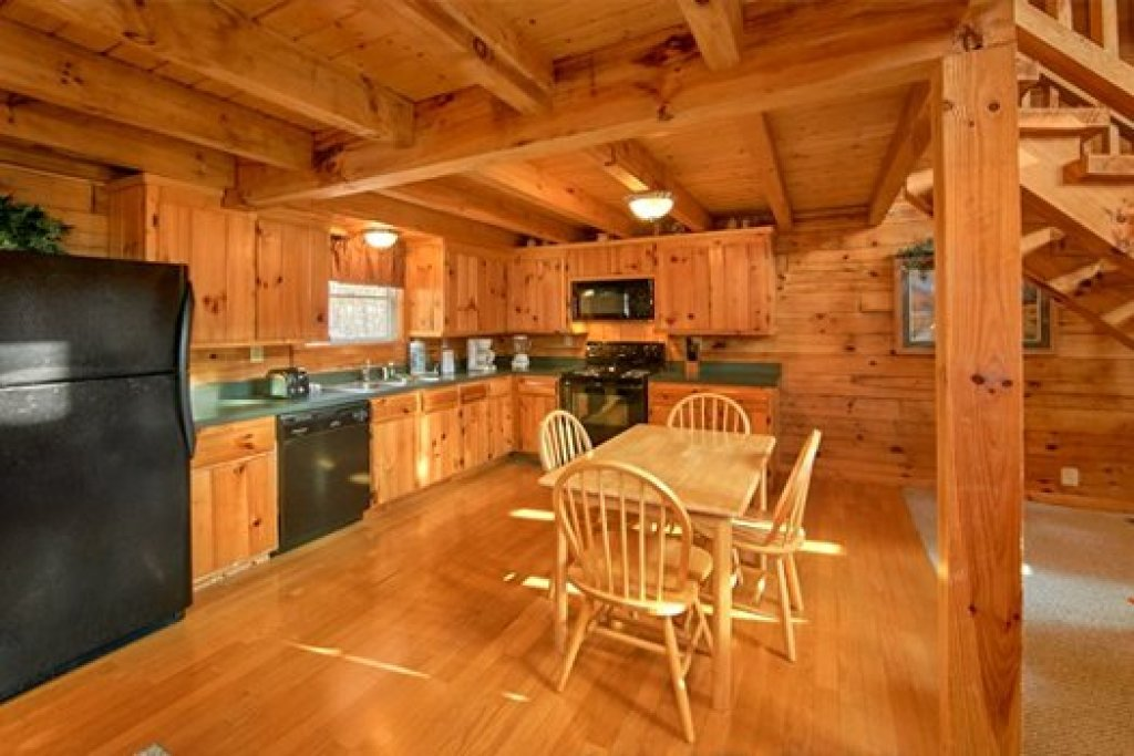 Photo of a Pigeon Forge Cabin named Secluded Pleasure - This is the fifth photo in the set.
