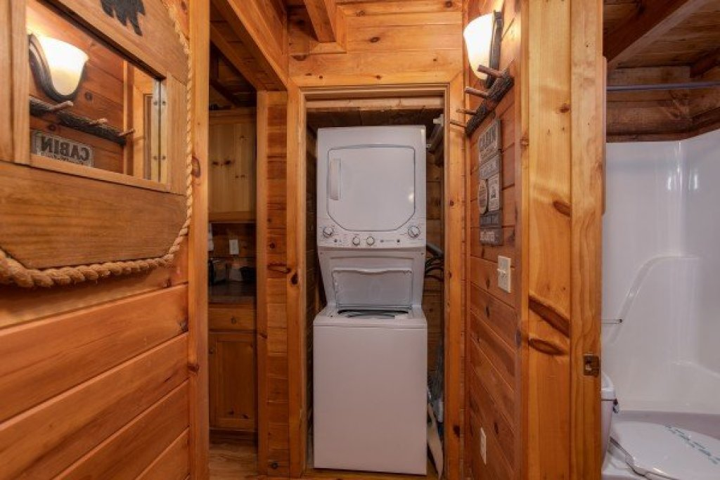 Photo of a Sevierville Cabin named Cabin In The Woods - This is the thirteenth photo in the set.