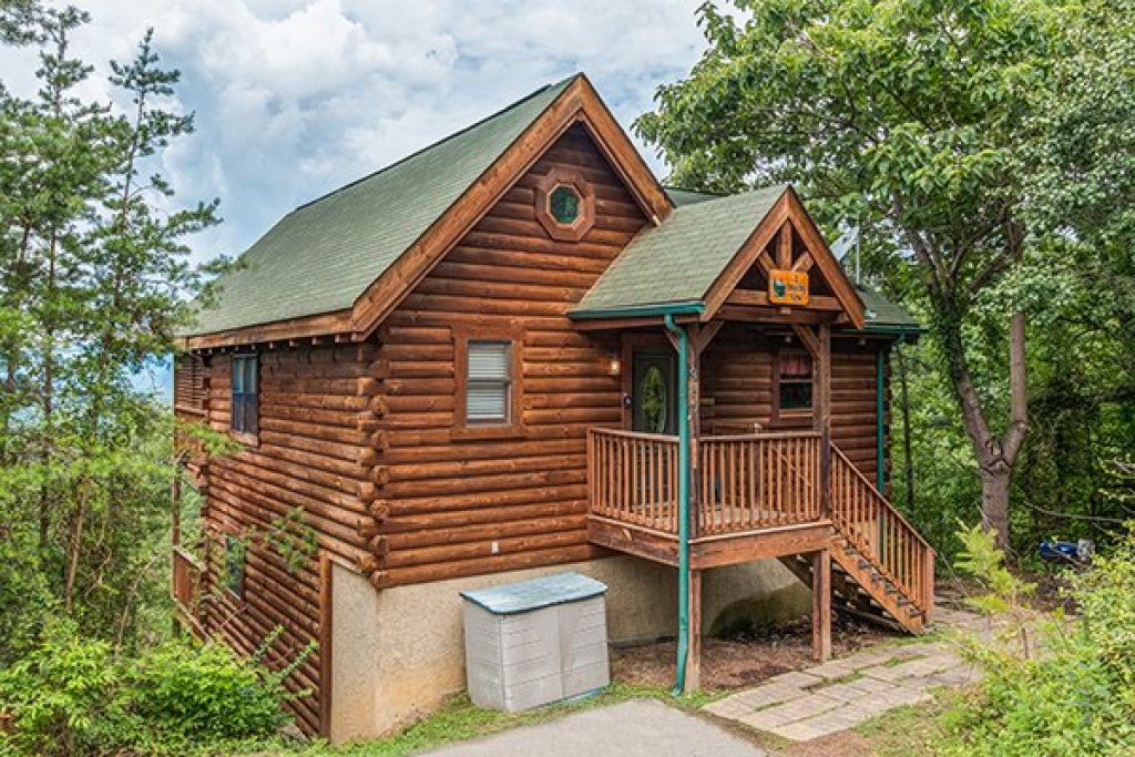 Photo of a Pigeon Forge cabin named 1 Amazing View - This is the second photo in the set.