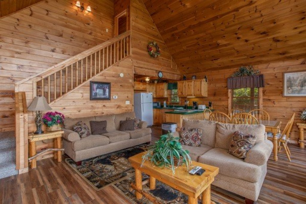 Photo of a Pigeon Forge Cabin named Angel's Majestic View - This is the third photo in the set.