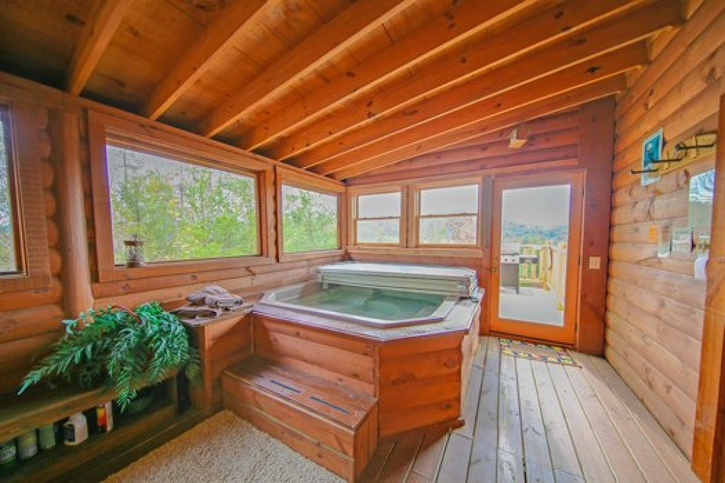 Photo of a Sevierville Cabin named Fox N Socks - This is the seventh photo in the set.