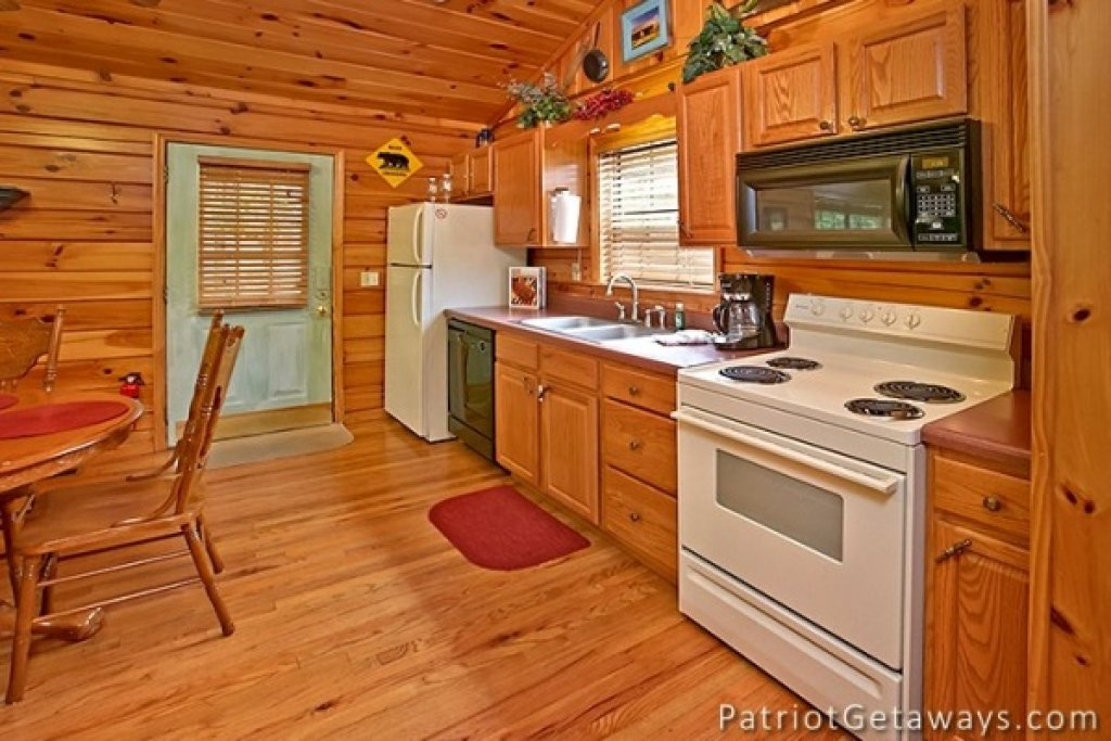 Photo of a Pigeon Forge Cabin named Always Together Forever - This is the twelfth photo in the set.