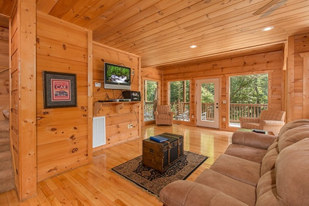 Photo of a Gatlinburg Cabin named Oh So Viewtiful - This is the twenty-fourth photo in the set.