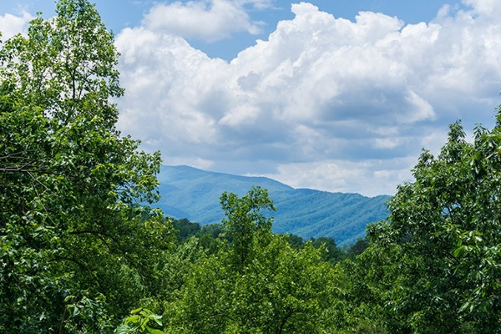 Photo of a Gatlinburg Cabin named Oh So Viewtiful - This is the third photo in the set.