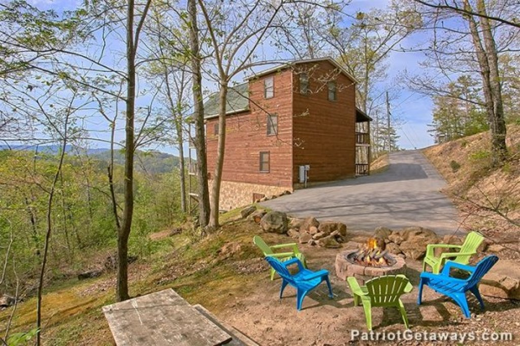 Photo of a Sevierville Cabin named Privacy & A View - This is the second photo in the set.